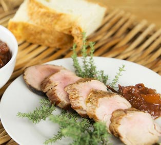 Pork Tenderloin with Seasonal Fruit Marmalade
